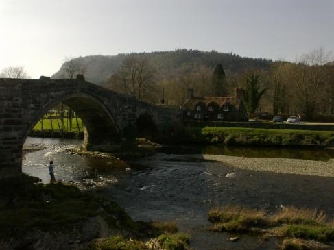 LLanwrst bridge & house